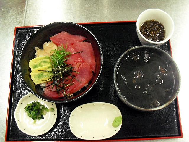 マグロ丼・イカ汁セット